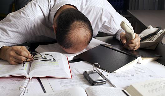 15% dos brasileiros são dependentes de drogas e álcool no trabalho