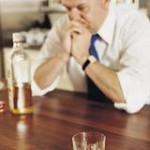 Funcionário não poderá ser demitido por alcoolismo, diz projeto de lei