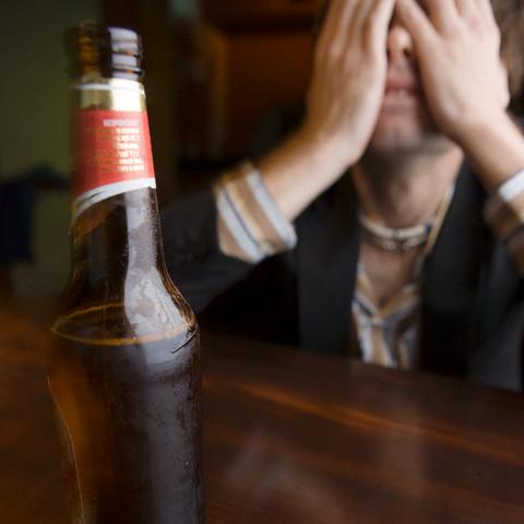 Estudo aponta que 3,6% dos paulistas são dependentes de álcool