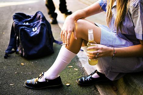 Adolescência: consumo de álcool e maconha é alto nesta faixa etária