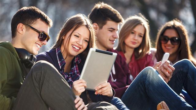 A nova evangelização e a condição juvenil atual (Pais e Catequistas)
