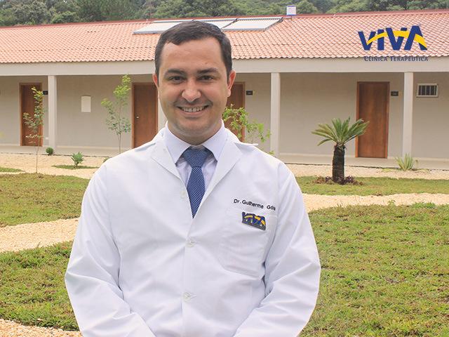 Dr. Guilherme Pereira Gois – Médico psiquiatra e Diretor da unidade de internação da Clínica Viva em Curitiba
