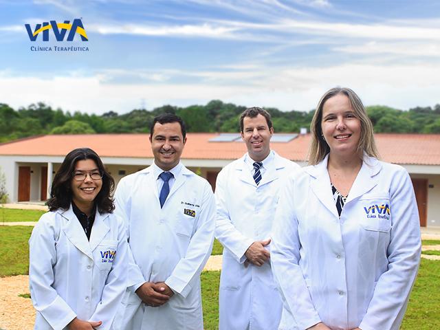 Equipe de profissionais da Clínica Viva em Curitiba