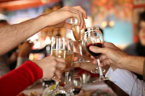 Especialista alerta para excesso de álcool no fim de ano