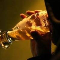 Dependentes do álcool relatam como lidam com a dependência