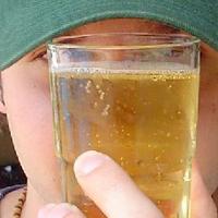 'Adolescente dá um jeito', diz jovem com bebida na Augusta
